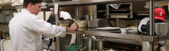 Come scegliere le attrezzature per la ristorazione nel rispetto delle normative igienico-sanitarie