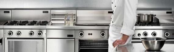 La corretta manutenzione dell'arredamento inox all'interno delle cucine industriali