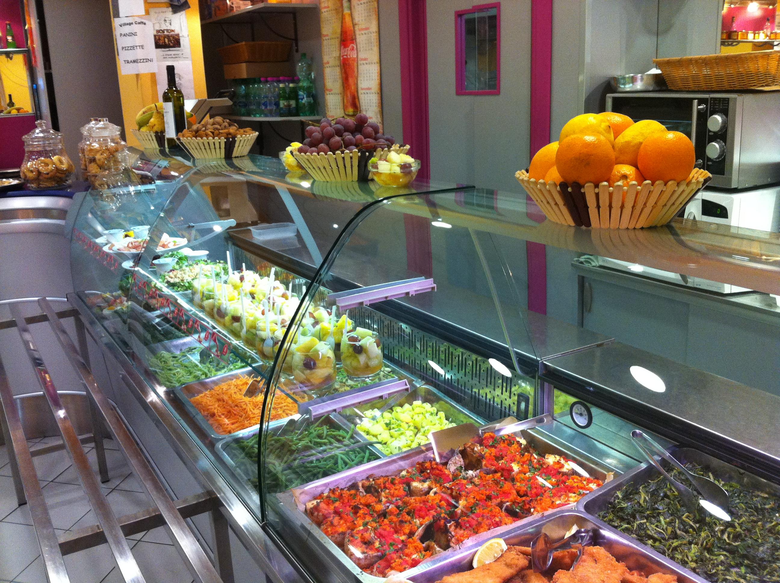 I segreti del successo di tavole calde e pizzerie da asporto for Arredamento fast food